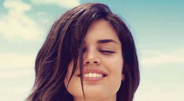 Portugueses sorriem pouco mas seguro dentário pode ajudar